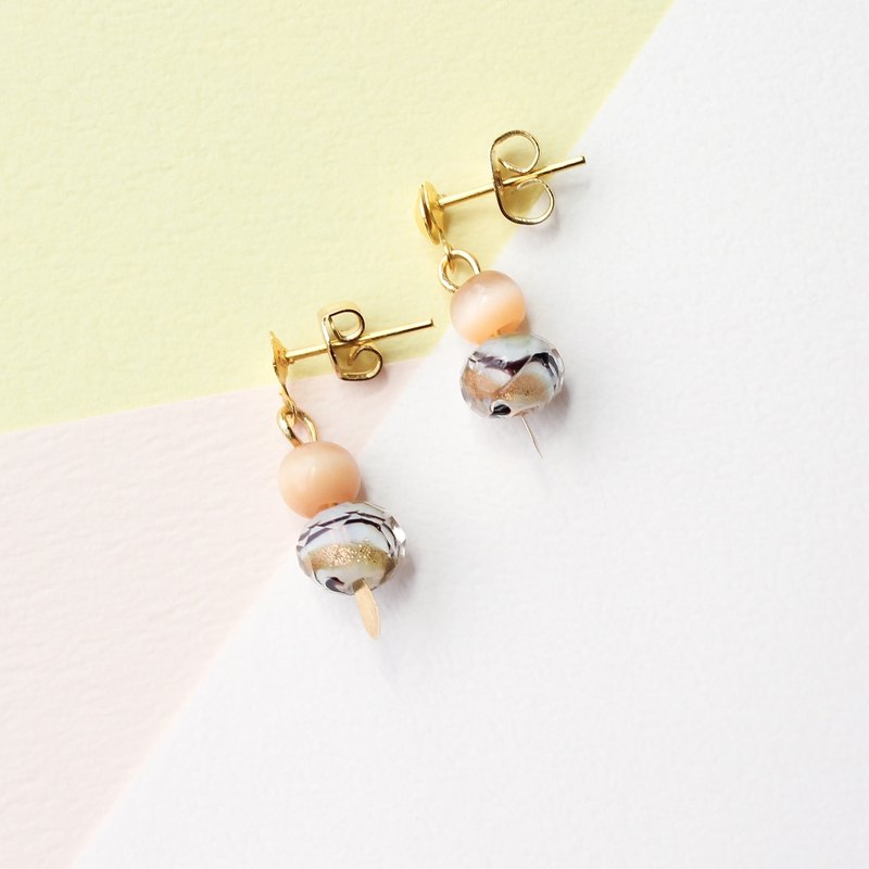 [Day daily] flow sand beads golden small earrings