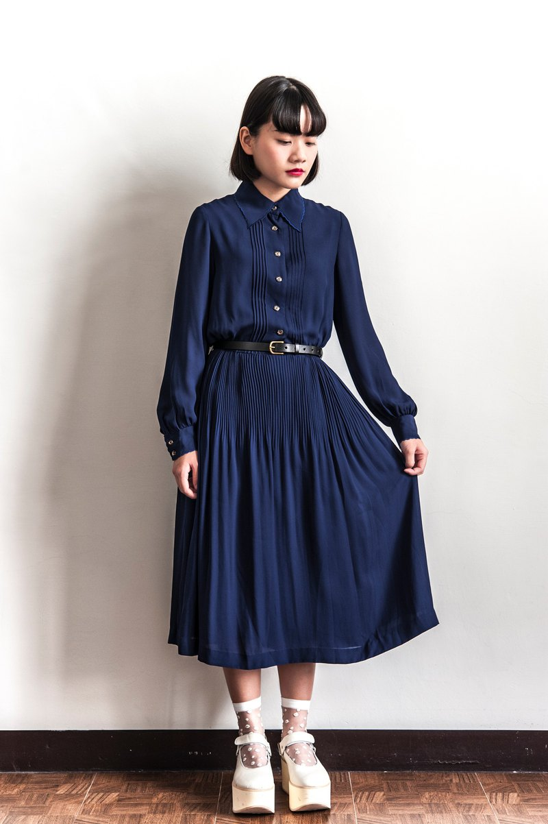 Vintage dark blue crepe vintage long-sleeved dress