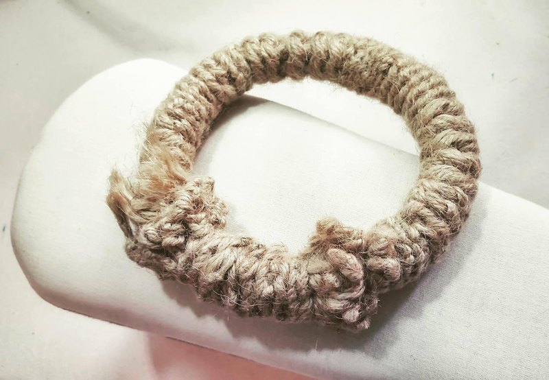 Handmade twine weave / mistletoe / insulation pad / hanging ring.