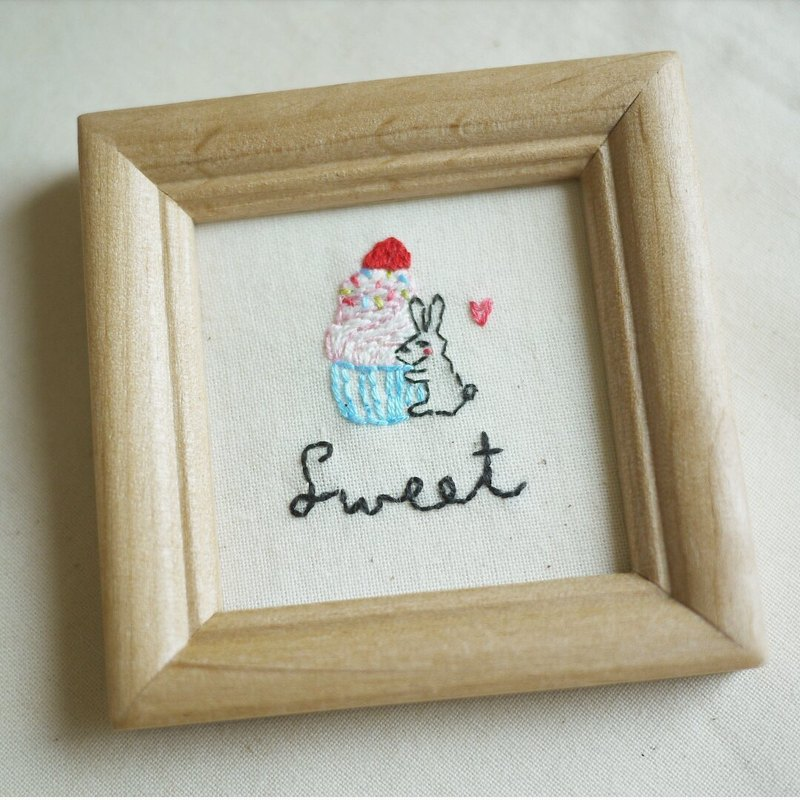 Mini Embroidery Painting - Sweet Bunny's Dessert