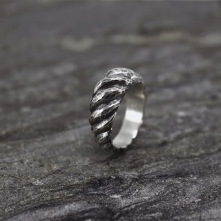 No.022 ANTELOPE HORNS RING Lake horned animal horn ring - ancient silver