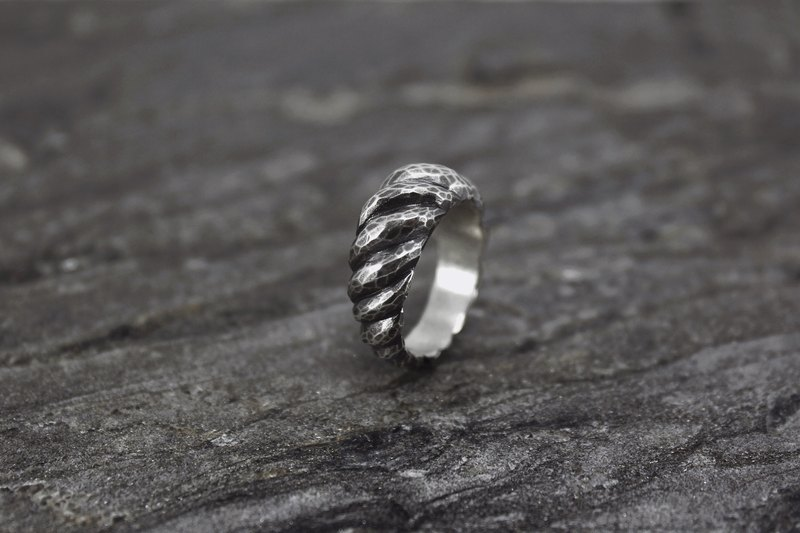 No.022 ANTELOPE HORNS RING 湖羚獸角戒 - 古銀