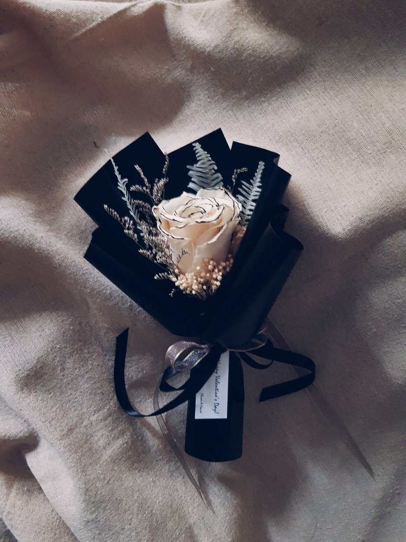 Mini Bouquet │ White Rose Eternal Flower Bouquet │