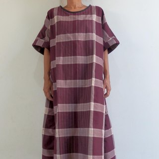 One piece dress made with check salon / Bordeaux
