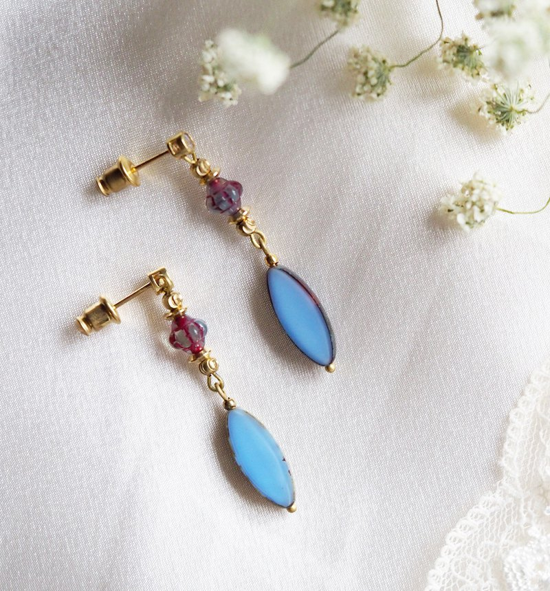 [Limited] different color horse eye glass beads earrings blue