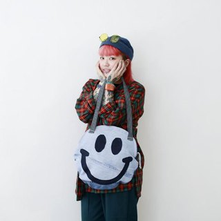 Round smiley pattern denim hand bag