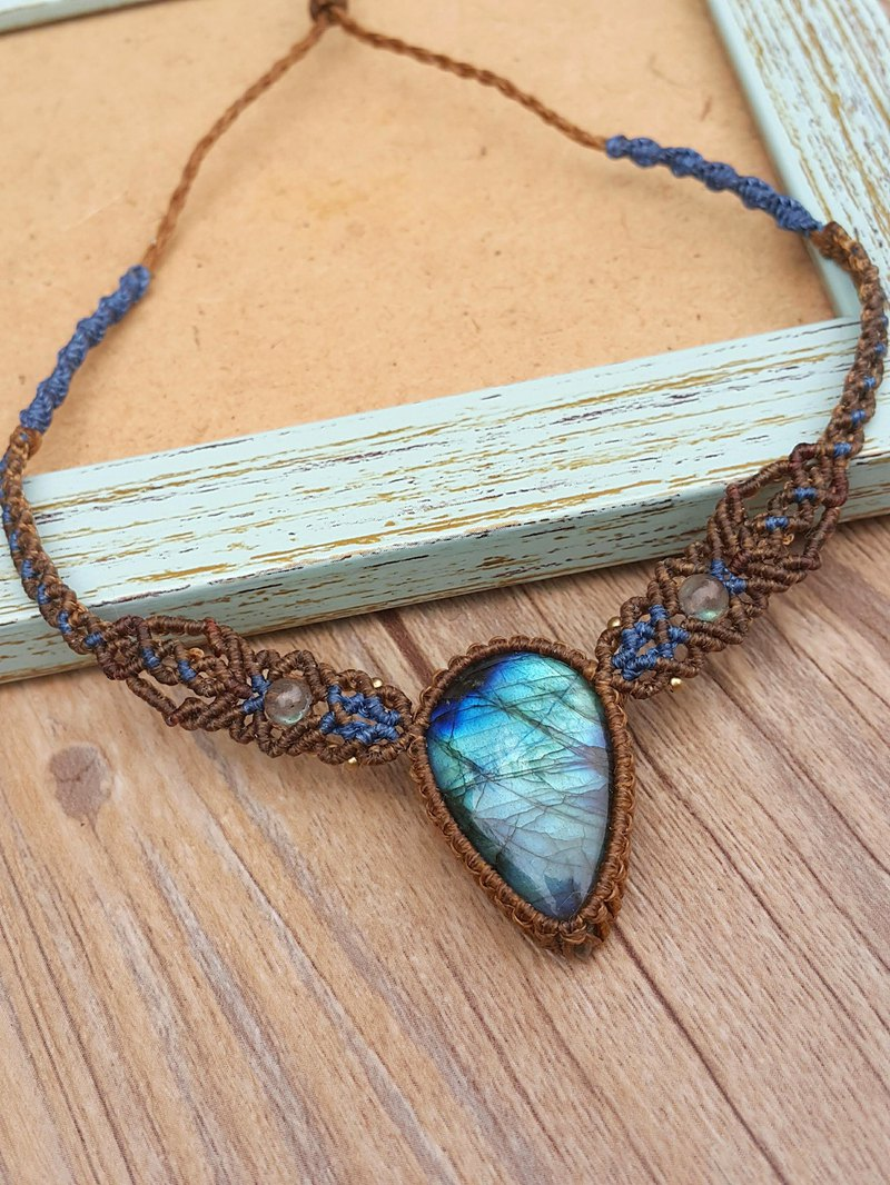 N147 Bohemian Ethnic South American Wax Line Woven Labradorite Brass Bead Necklace