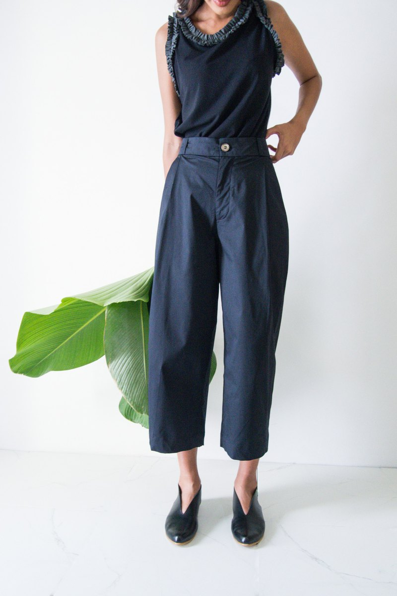 Mani Mina Black Front Pleat Pants