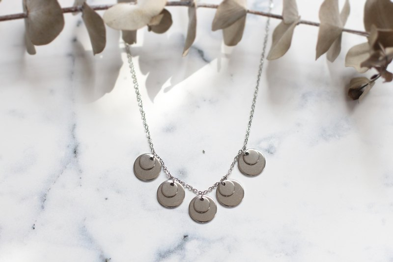 Stainless double round disc necklace