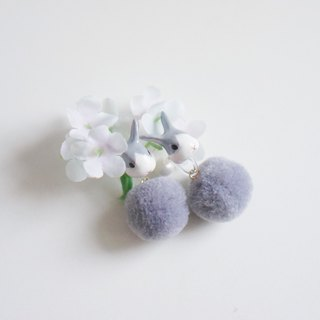 |Unicorn forest | gray rabbit fur ball pair of earrings / ear clip