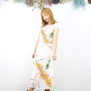 Back to Green:: Shaved shoulders and random yellow flower vintage dress (DS-12)