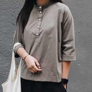 Homemade / collar half button top - gray green