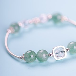 [Green Strawberry] Green Strawberry Crystal. White crystal. 925 sterling silver feather bracelet