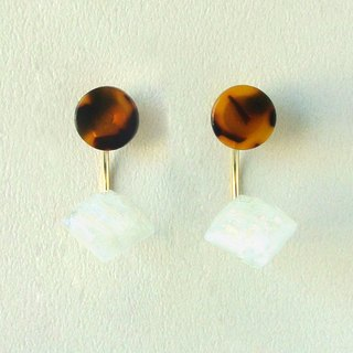 Marble Labs Impressionist Circle Tortoiseshell Pearls / Mosaic Front and Back Two Wear 2 way Earrings / Ear Clip (EP008)