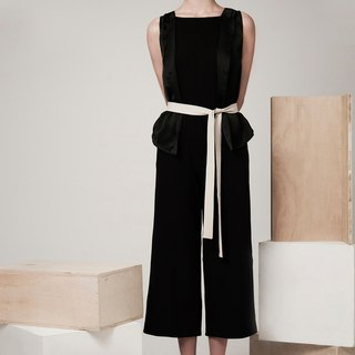 Sleeveless Jumpsuit (Black)