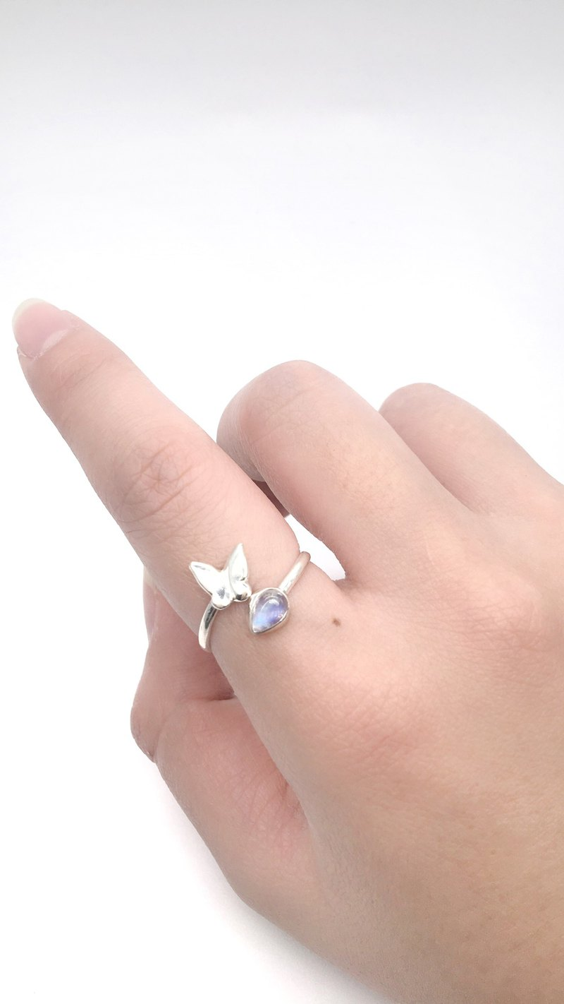 Moonstone 925 sterling silver dance butterfly design ring Nepal handmade silverware