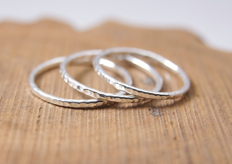 Sterling Silver Ring / Hammered / Line Silver Ring
