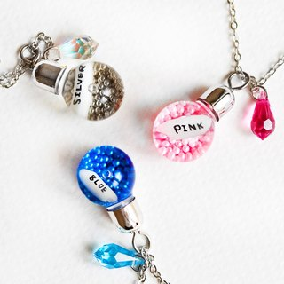 Customized lettering Austrian crystal bulb type rice carved clavicle necklace color caviar glass beads