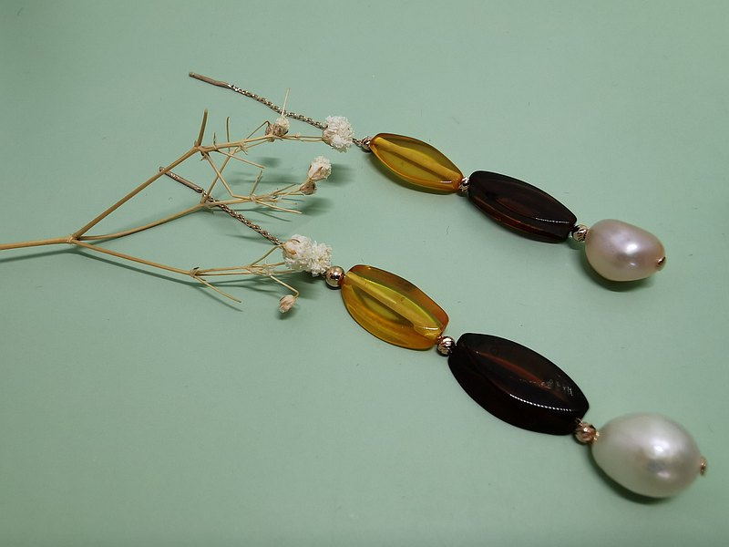 Flowing~Natural Baroque Pearl Natural Amber Tassel Champagne Gold Earline