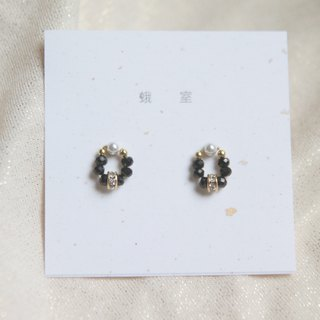 Mini Gem Wreath Black Pointing Stone Swarovski Pearl Wheel Diamond Earrings