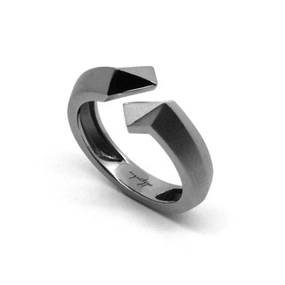 TWIST Ring (S) / Gun Metal (exclusive design jewelry : silver)