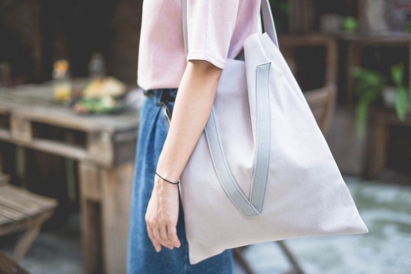 Misty pink & grey V-strap shoulder bag