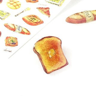 WHITE BREAD BROOCH