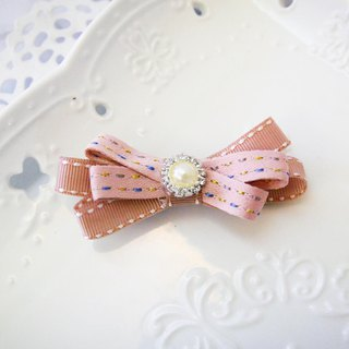 Pink irregular lines, small bangs clip