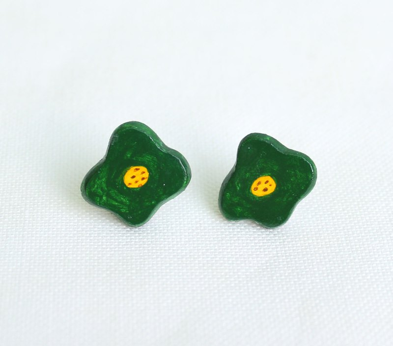 Green poached egg flower earrings / blue / can be changed ear clip / exchange gift