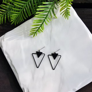 Geometric Thinking Series - Black Triangle Ear Pin / Ear Clamp Handmade Earrings Korea Direct