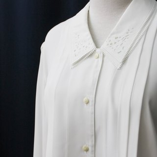 [RE0215T1762] Nippon multilayered hollow Department of Forestry lapel simple white vintage blouse