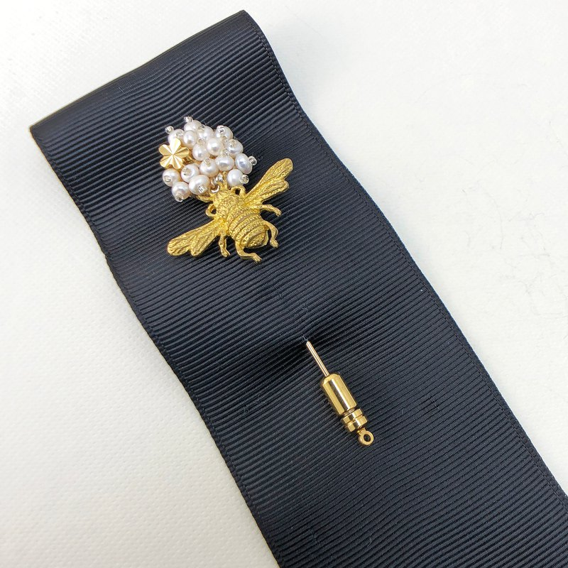 Japanese Style Pearl Brooch 【Busy Bee】【Wedding 】【Christmas Gift】【Birthday Gift】