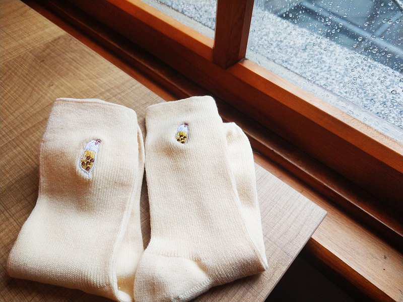 (Recommended for graduation gifts) Pearl milk tea embroidery socks│Made in Taiwan