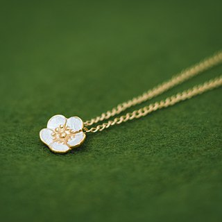 Plum blossom necklace - Ume - Japanese jewelry - Japanese flower - Silver and gold combination - Pendant and chain set