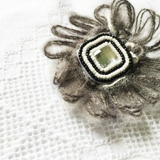 Black and white sparkling embroidery brooches Black & White Bling Bling Embroidery Brooch (JEBR025)