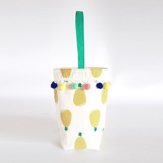 Fresh pineapple drink kettle bag / hair ball tassel