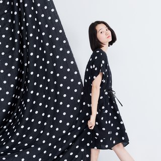 Bubble V neck Adjustable drawstring Relaxed fit dress / Black with white dots