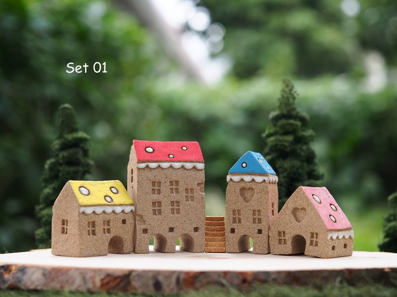 Ceramic House- Set of 5 (4 houses + 1 stair)
