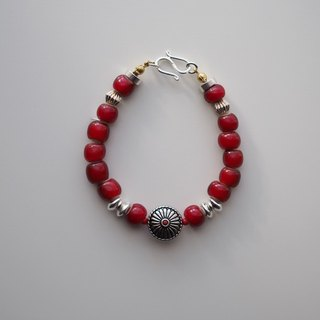 Bracelet: The Olinda South Bracelet - BU018 - 925 sterling silver, trade bead, Africa fair trade bead, silver bead, cranberry, dark red, Japanese button, vintage, unisex, male, accessories, gift