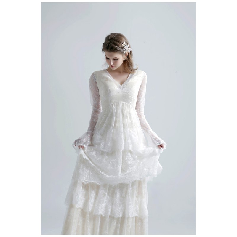 SAMPLE SALE EVA Wedding Dress Long sleeves boho wedding dress