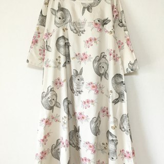 Rabbit and flower pattern simple flare one piece five-quarter sleeve