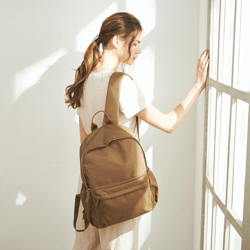 Amina 防潑水尼龍 後背包 (不含內袋)【金銅棕】