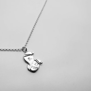 Z43 cute snowman (can be typed) 925 sterling silver necklace. Customized English alphanumeric.