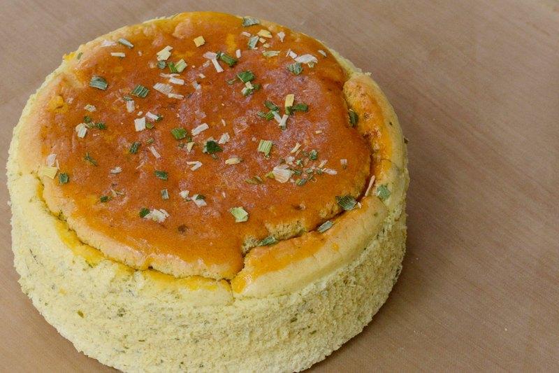 — 無 麩 質 — 無糖糙米蛋糕 - 三星蔥鹹乳酪 ( 6吋 )