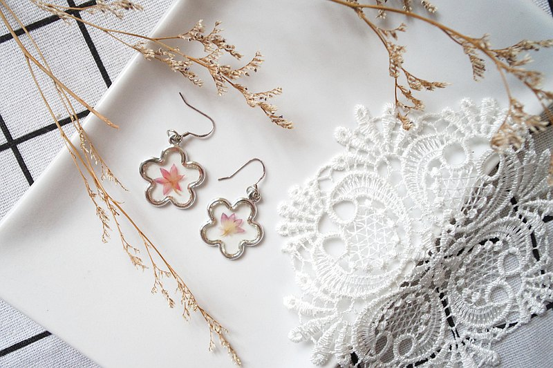 Japanese Fresh Mandarin Duck Style Flower Earrings B014