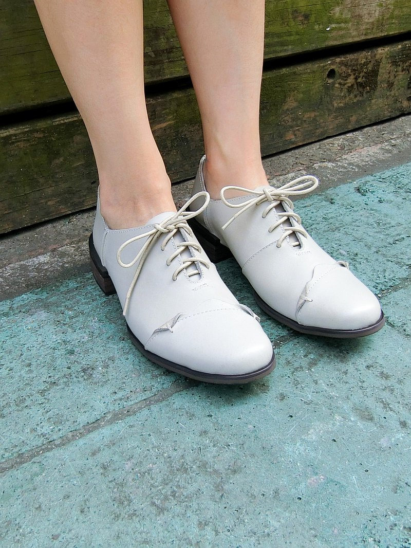 Lace-Leather Oxfords || Asleep in Barcelona Off-White || 8281