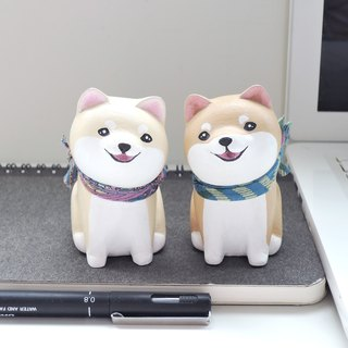 We are together with a steamed buns face small Shiba Inu pen holder paper town decoration handmade small wood carving