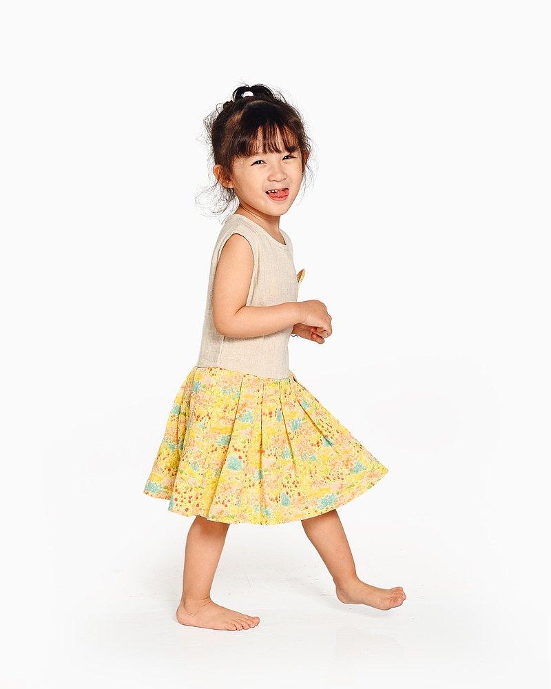 黃色碎花連衣裙