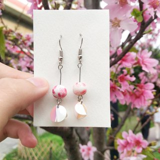 翩翩 Petals handmade earrings (Sakura series)
