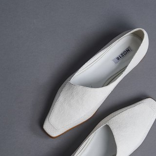Beveled small square head stitching flat shoes white
